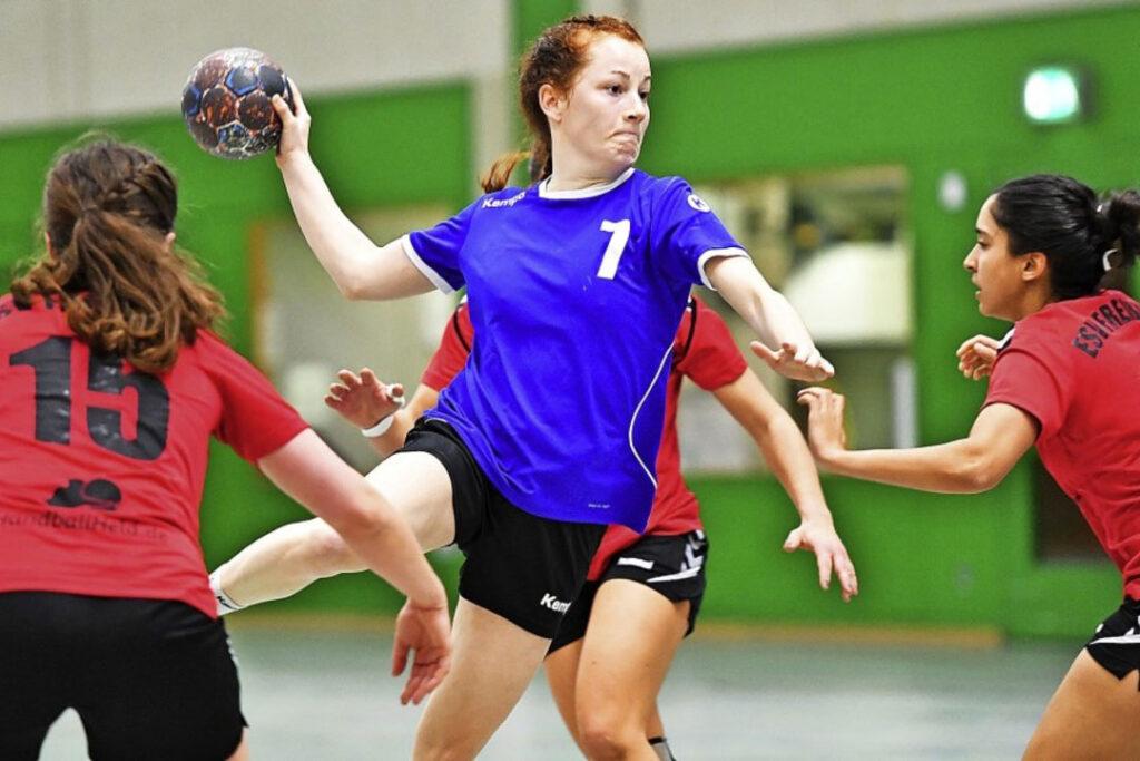 Julia Söhne spielt Handball bei der HSG Freiburg